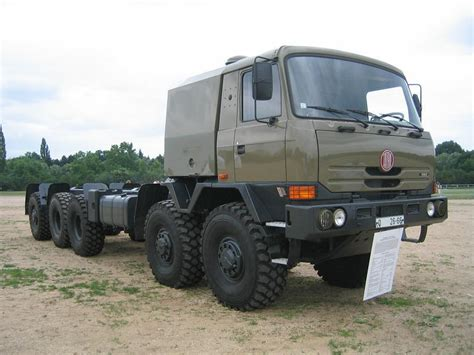 Tatra 128 Photo and Video Review